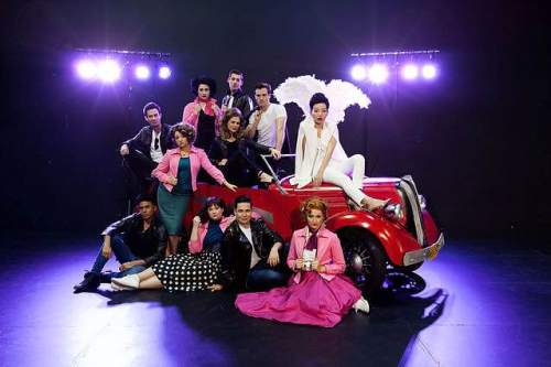grease-arena-experience-cast